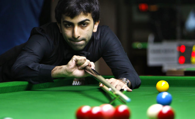 Asian Billiards Championship : Advani Lifts the Trophy
