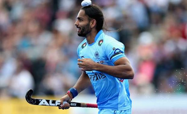 Indian Hockey Team wears black arm band to condemn attacks on Indian soldiers
