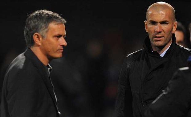 Reports : Manchester United all set to sign Real Madrid mid-fielder
