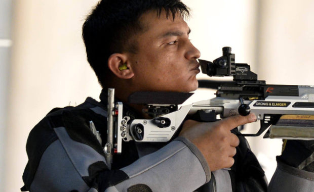 50m Rifle 3 Positions Men Final Live Updates & Commentary : India's Satyendra Singh in action