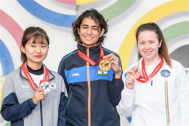India's Deswal equals Junior World Record, secures India's second Gold