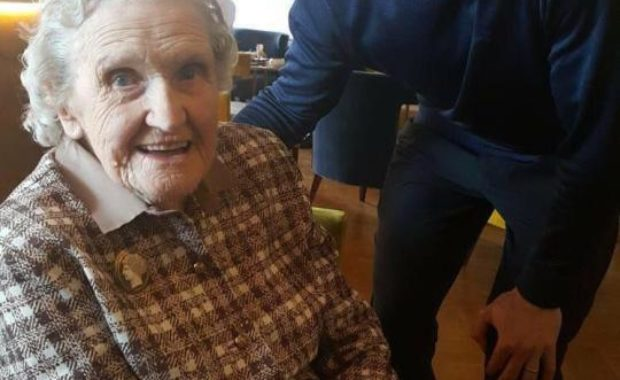 """Andy Murray gave a """"Perfect B'Day Surprise"""" to 99-year-old Fan"""