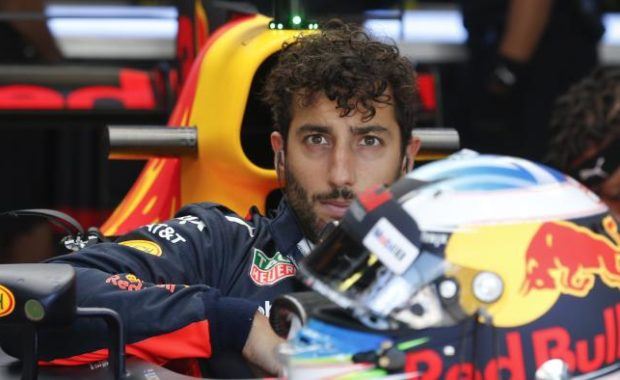 "Daniel Ricciardo warns Red Bull over ""engine switch"""