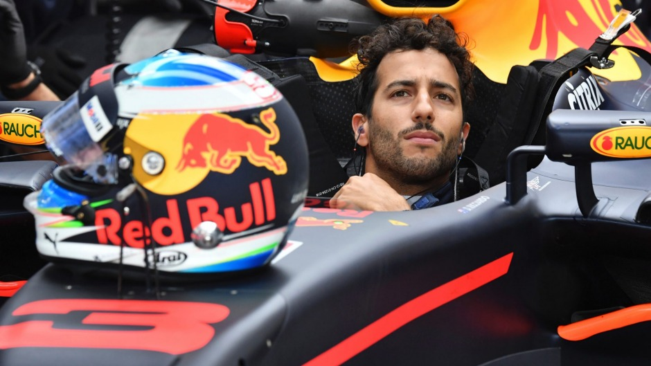 Daniel Ricciardo opens up on 2018 plans and reveals what he thinks of 2017