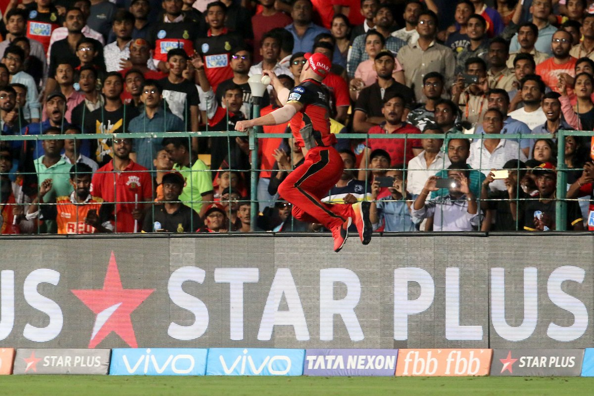 AB de villiers one handed catch